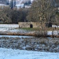 looking-across-the-river-to-the-graveyard-walls-in-the-meadow